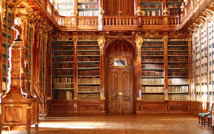 کتابخانه کلیسای استراهوف در پراگ