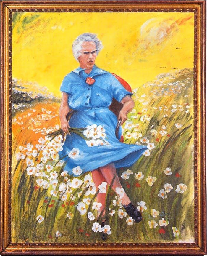 لوسی در مزرعه با گل ها
