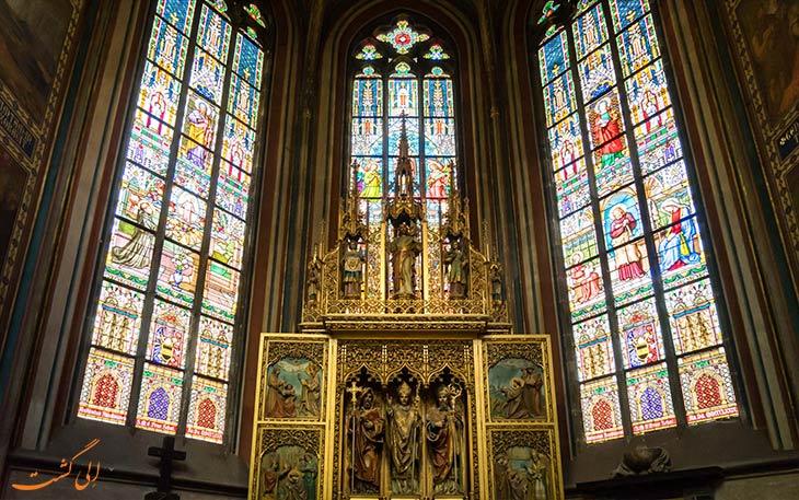 شیشه های دعاخانه های کلیسای سنت ویتوس