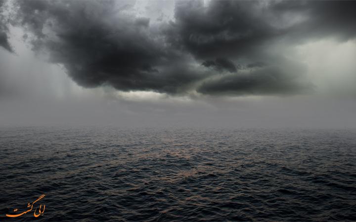 دریای سیاه طوفانی