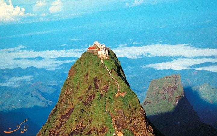 قله آدامز