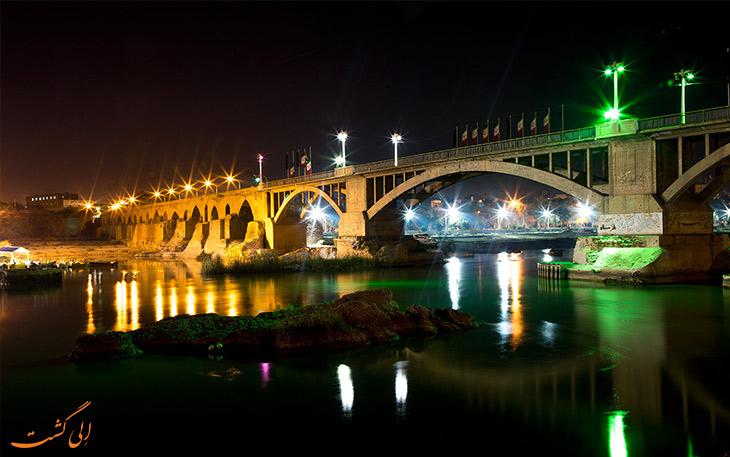 پل ساسانی در شب