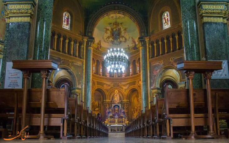 داخل کلیسای برزیل