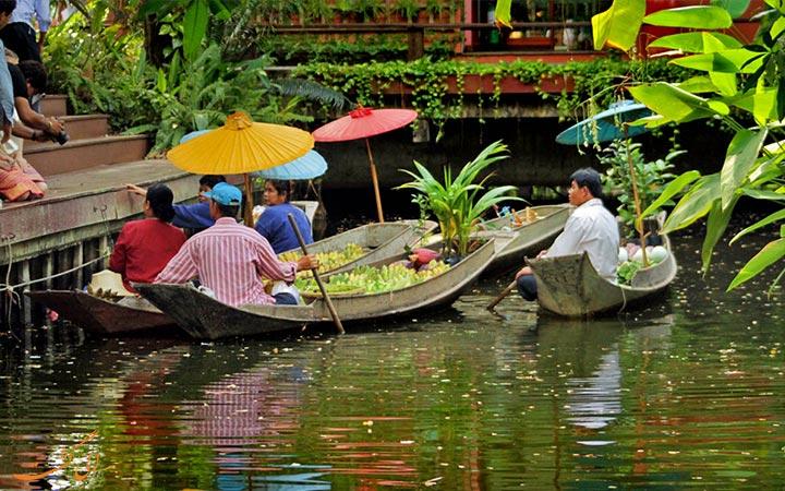 بازار شناور در بانکوک