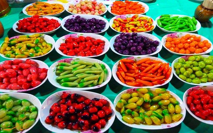 میوه های یکشنبه بازار چیانگ مای