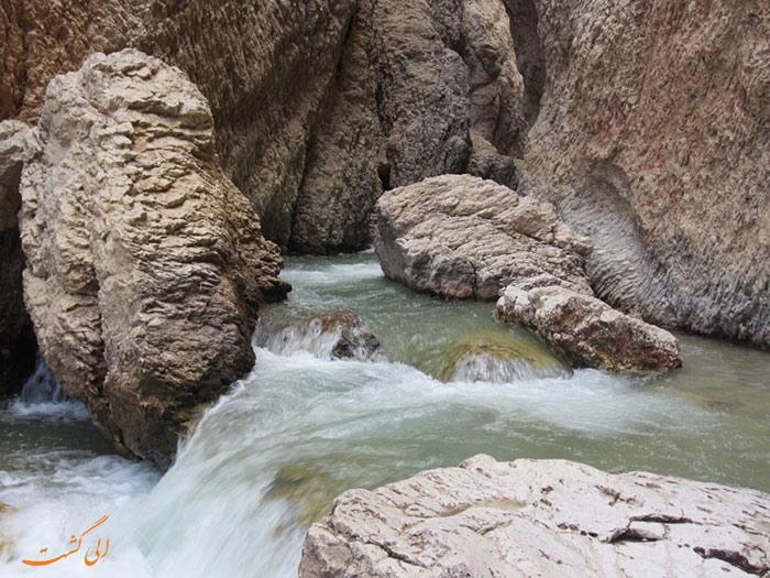 کوهرنگ | غار یخی چما