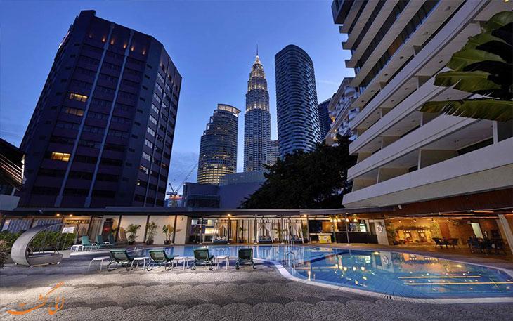 استخر هتل کورس در مالزی