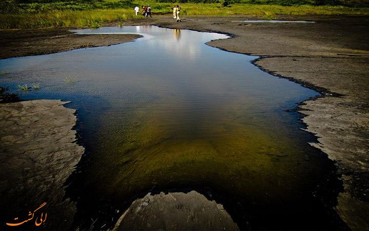 دریاچه عجیب آسفالت