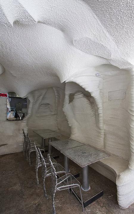 میزهای رستوران نمکی