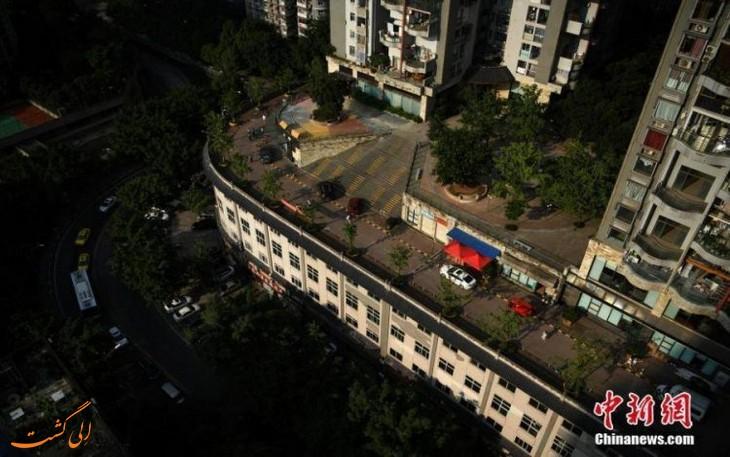 خیابان روی ساختمان
