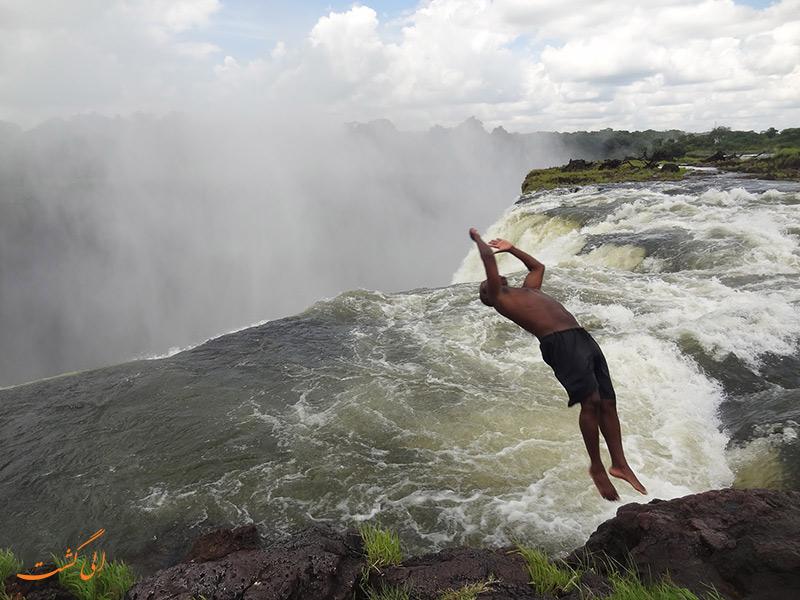 استخر شیطان آبشارهای ویکتوریا