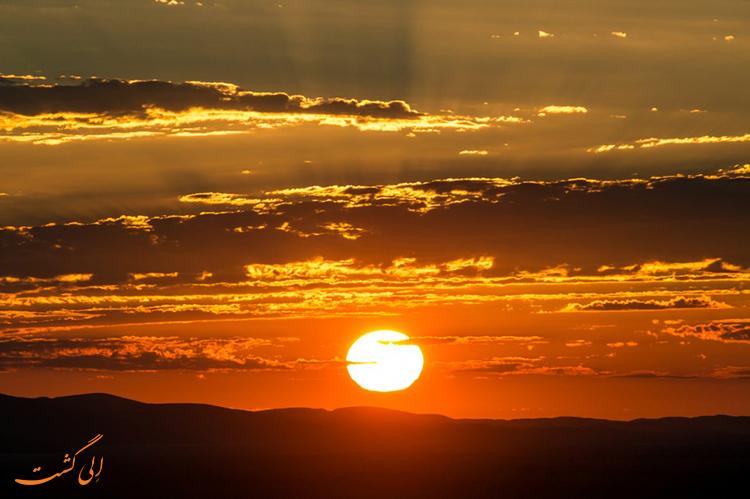 غروب خورشید در دره مرگ نامیبیا