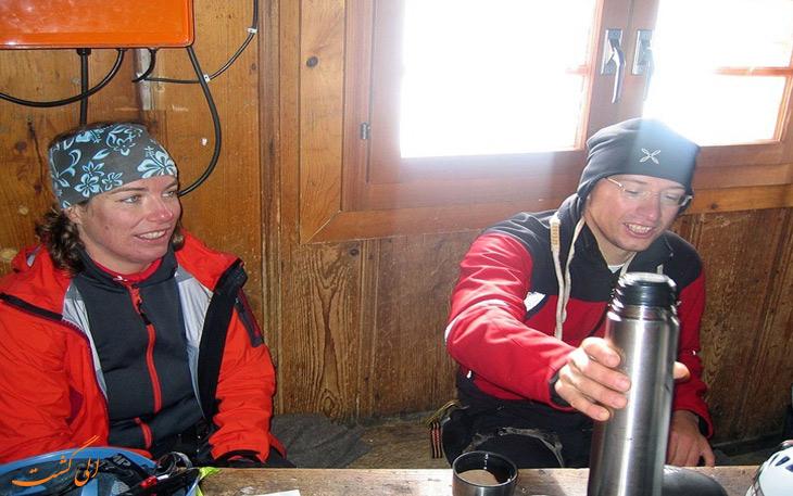 کوهنوردان کلبه سوئیس