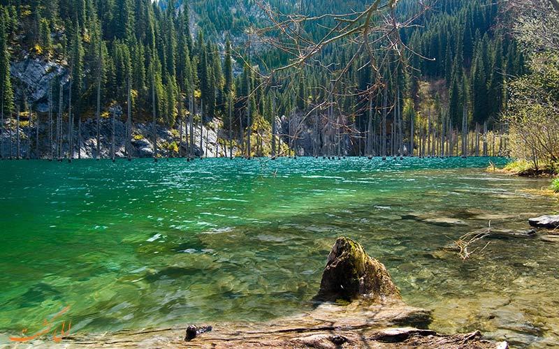 دریاچه ای زیبا