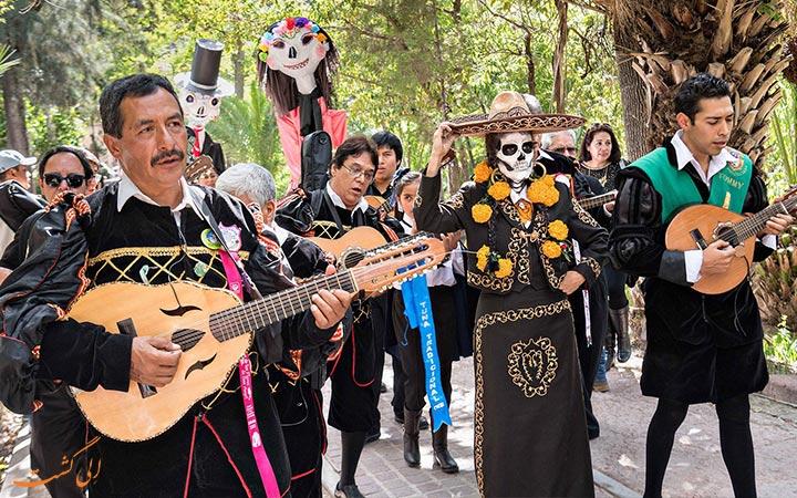 ساز محلی در فستیوال مکزیک