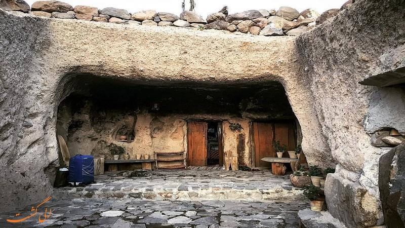 خانه های روستای میمند