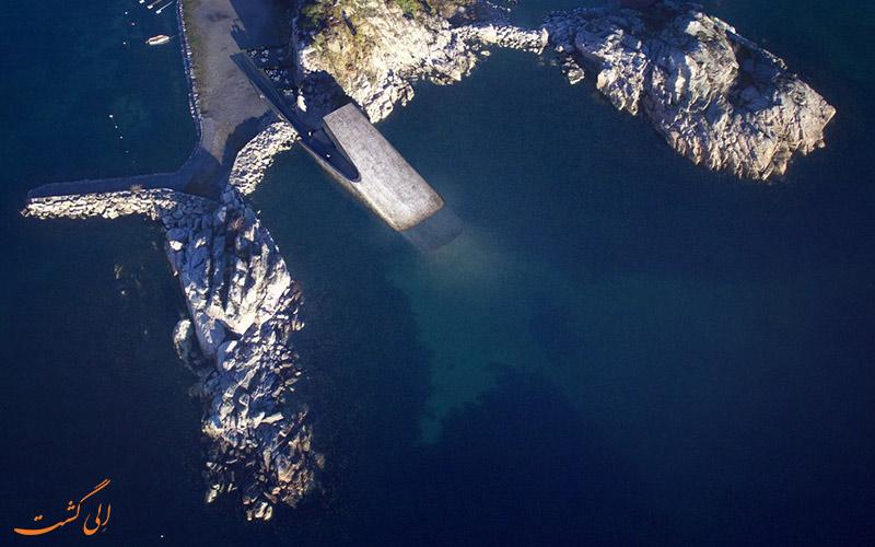 رستوران زیردریایی نروژ از بالا