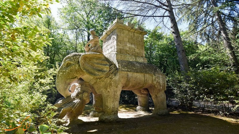 مجسمه فیل باغ بومارزو