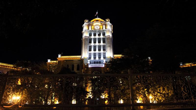 کاخ شهرداری تبریز در شب