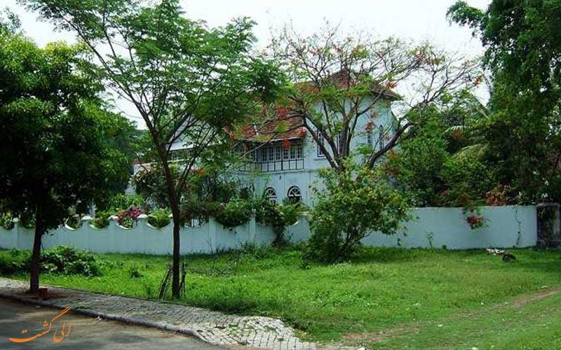 حیاط قصر