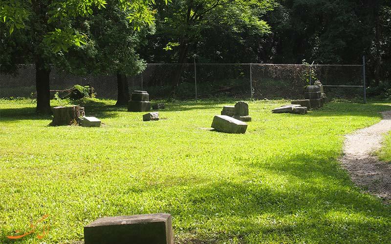 قبرستان متروکه بچلر گرو