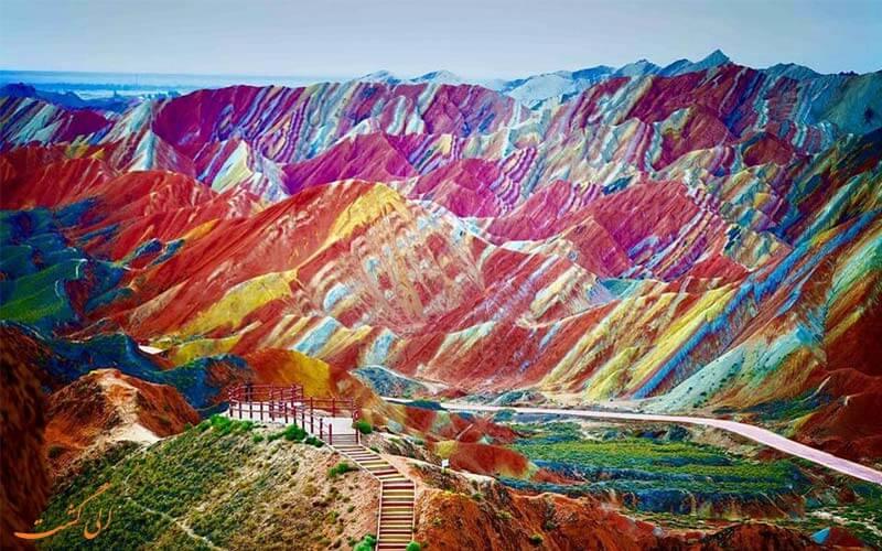 کوه های رنگین کمان چین