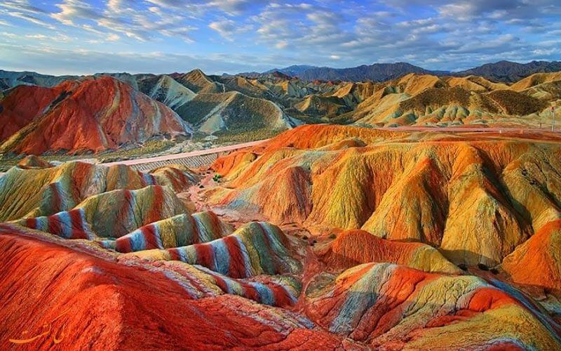 کوه های رنگین کمان
