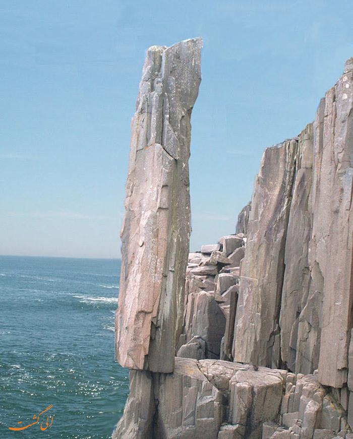 صخره ی تعادل در نوا اسکاتیا