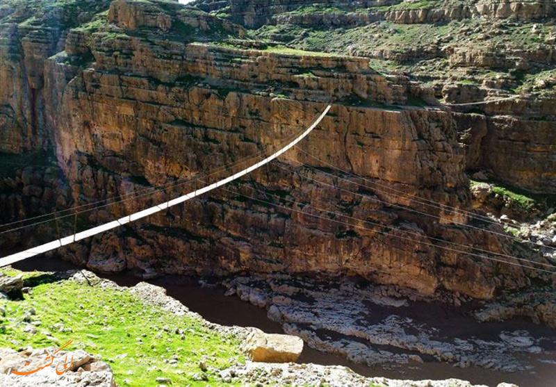 پل معلق دره خزینه پلدختر
