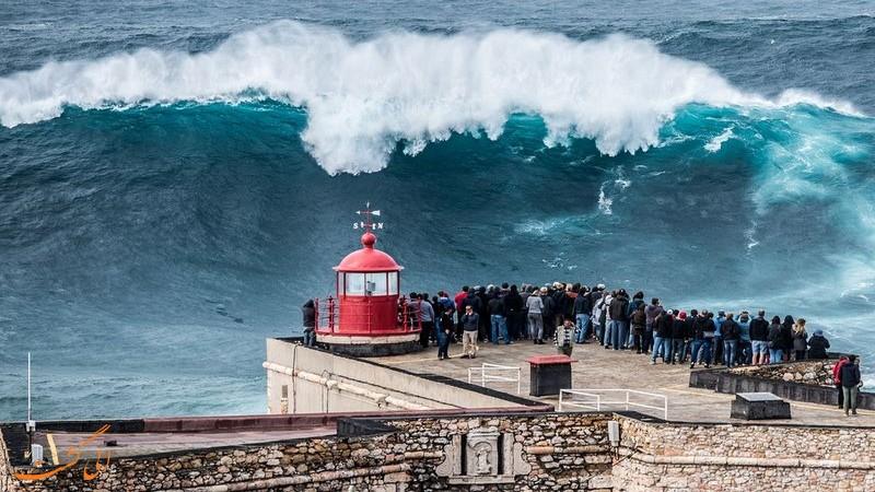 امواج نازار در پرتغال