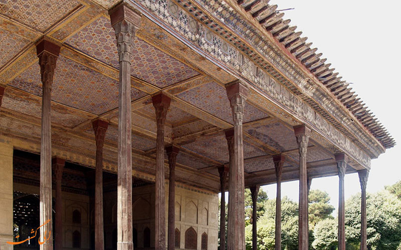 ستون های کاخ چهل ستون
