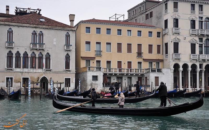 قایق تراگتو، ونیز