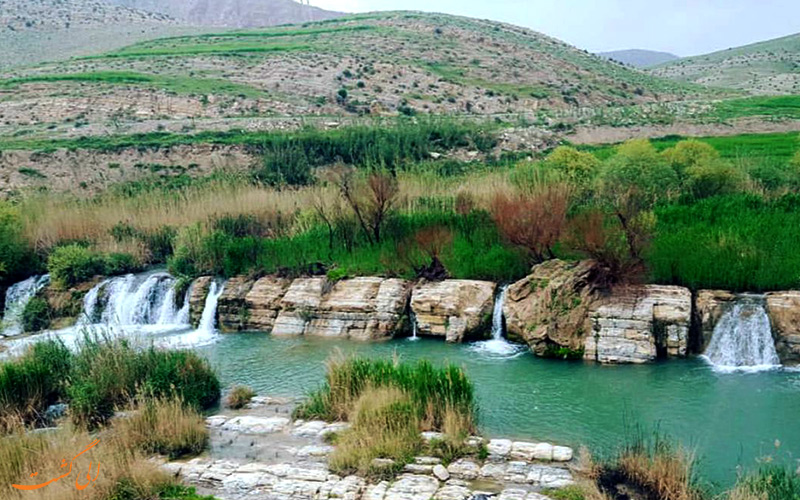 آبشار پیله در ایلام