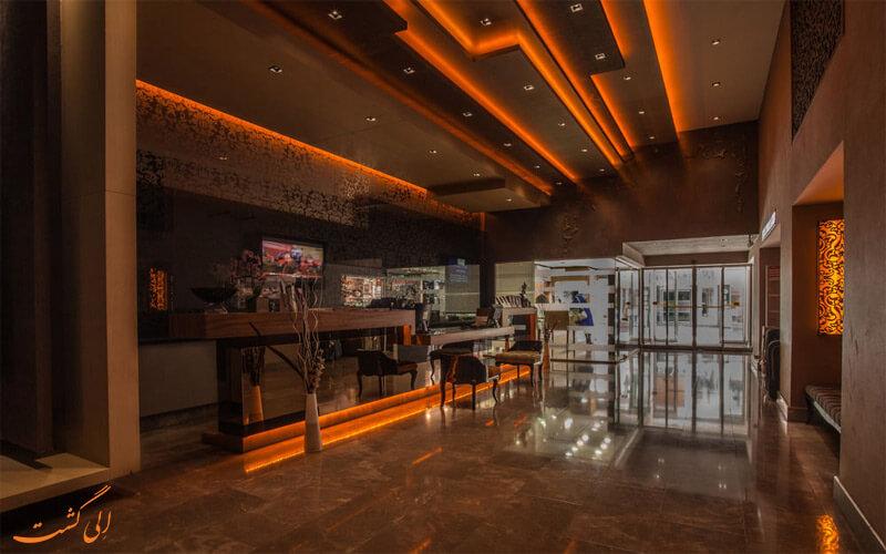 Carlton Hotel- www.eligasht.com