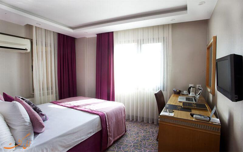 Carlton Hotel- www.eligasht.com1