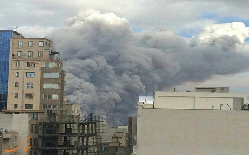 دودهای ناشی از آتش سوزی تالاب میقان در شهر اراک