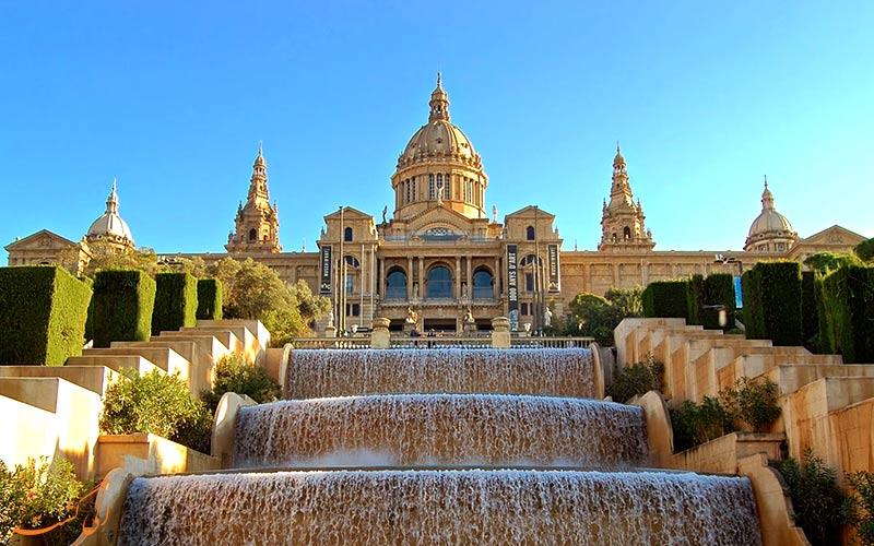 موزه هنر ملی کاتالونیا در بارسلونا