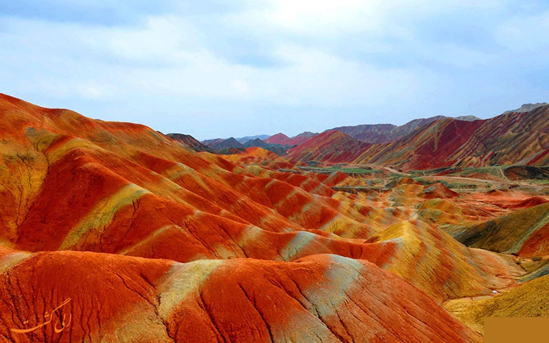 کوه های رنگارنگ چین