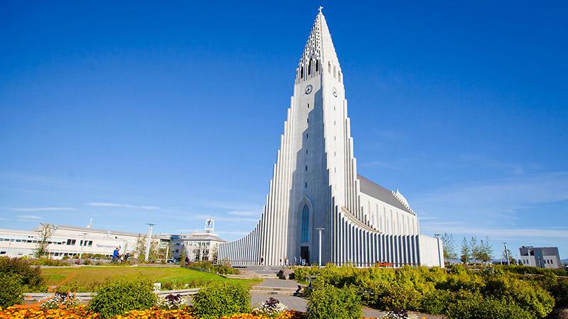 کلیسای Hallgrímskirkja در ایسلند