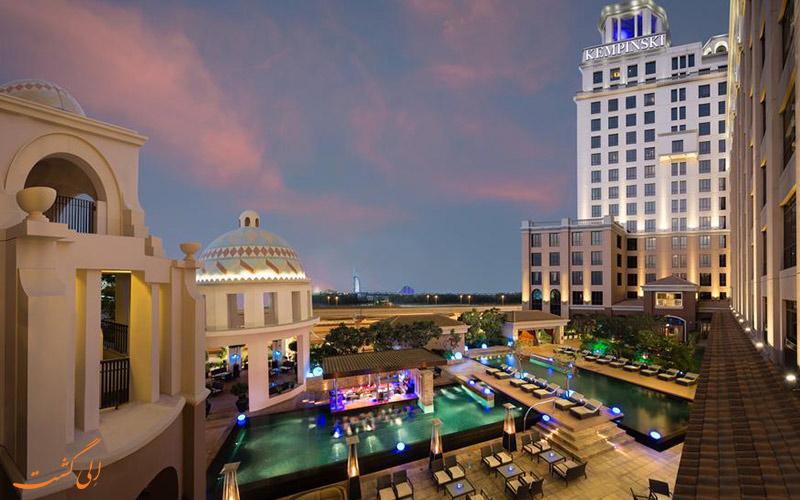 استخر هتل کمپینسکی