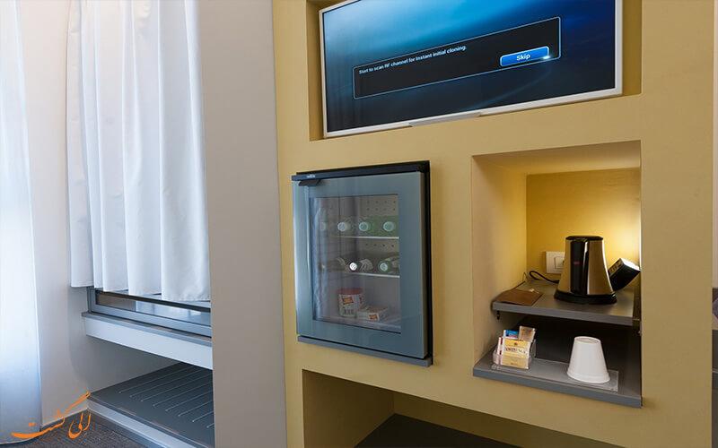 تکنولوژی در اتاق خواب هتل