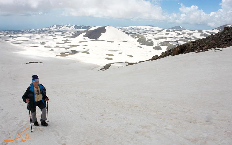 کوهنوردی در قله آراگاتس ارمنستان