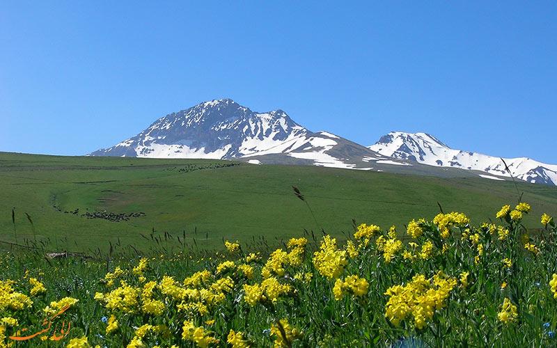 نمایی از قله آراگاتس ارمنستان