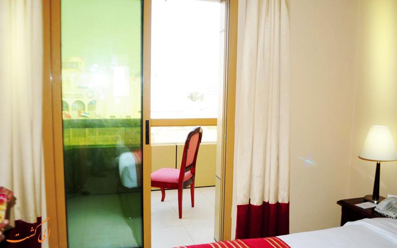 هتل فورچون دیره دبی | بالکن اتاق