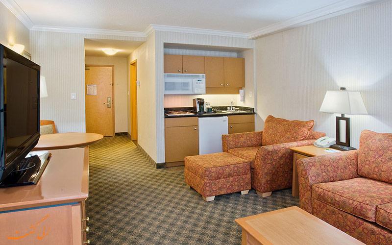 هتل هالیدی این نورث ونکوور | سوییت