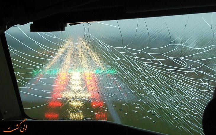حادثه شکستن پنجره هواپیما