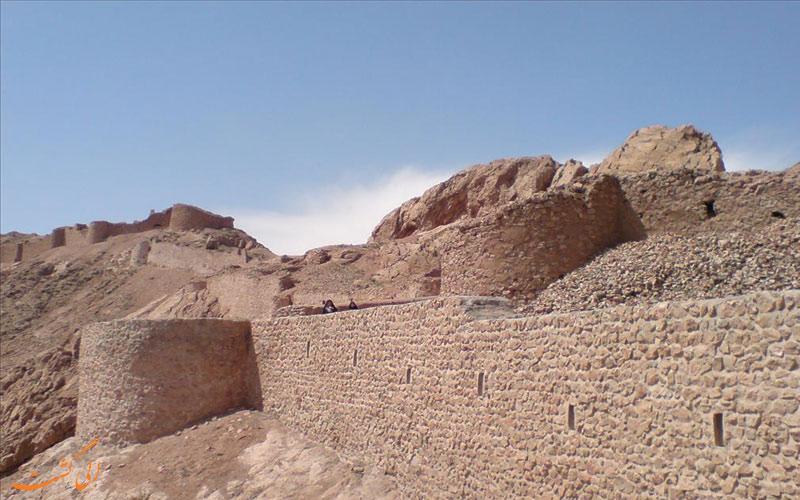 دیوار قلعه کوه قائن