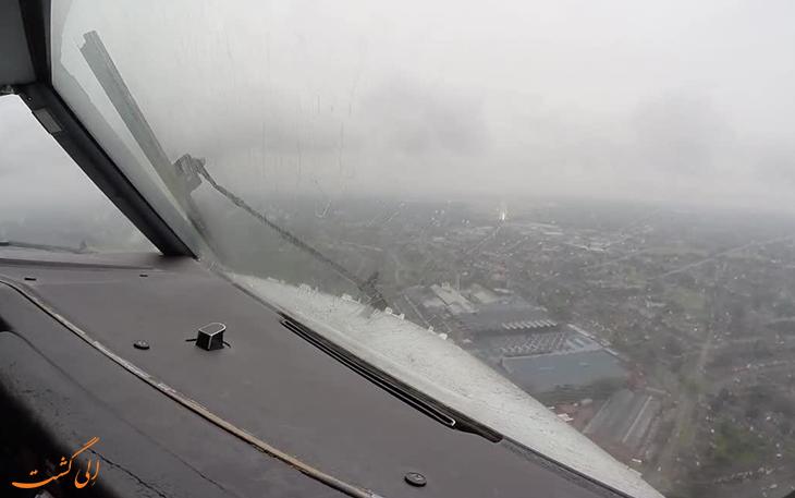برف پاک کن هواپیما در پرواز