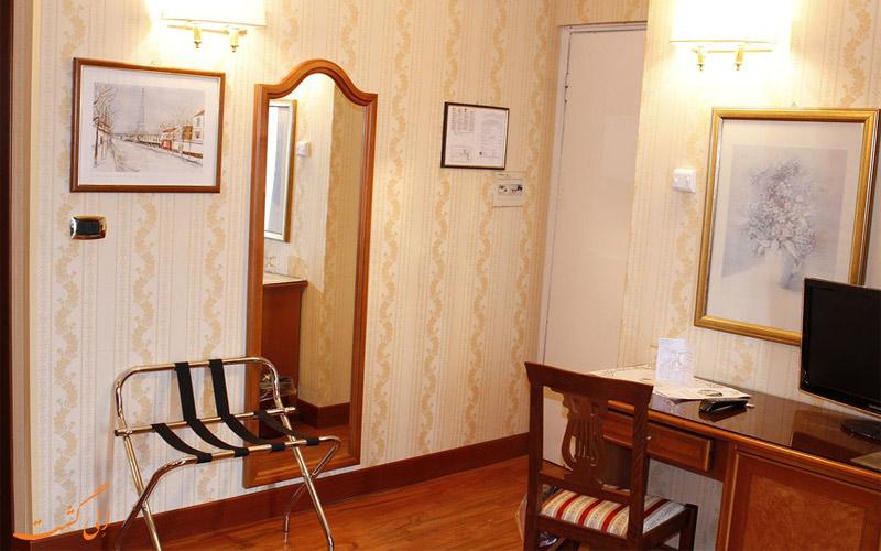 امکانات اتاق های هتل گرند هرمیتاژ رم