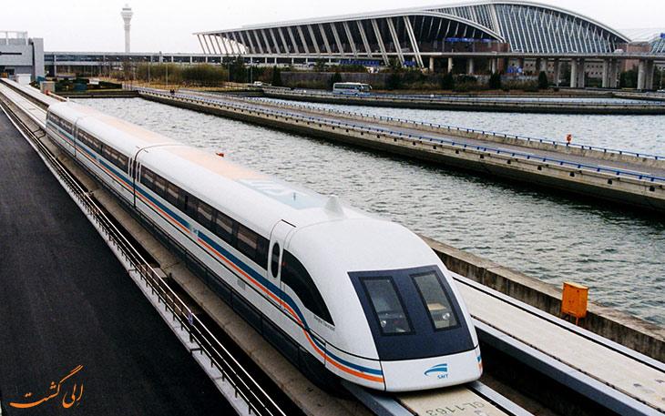 قطار مگلو فرودگاه پودنگ